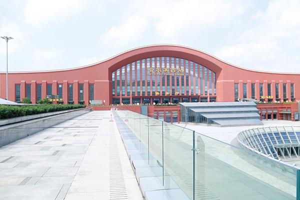 哈西火车站加固工程1