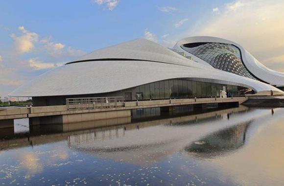 哈尔滨大剧院加固工程